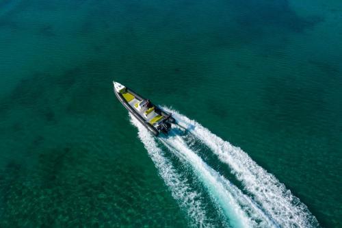 Destroyer Rental Boat Moraitis 19