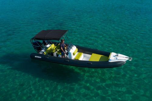Destroyer Rental Boat Moraitis 23